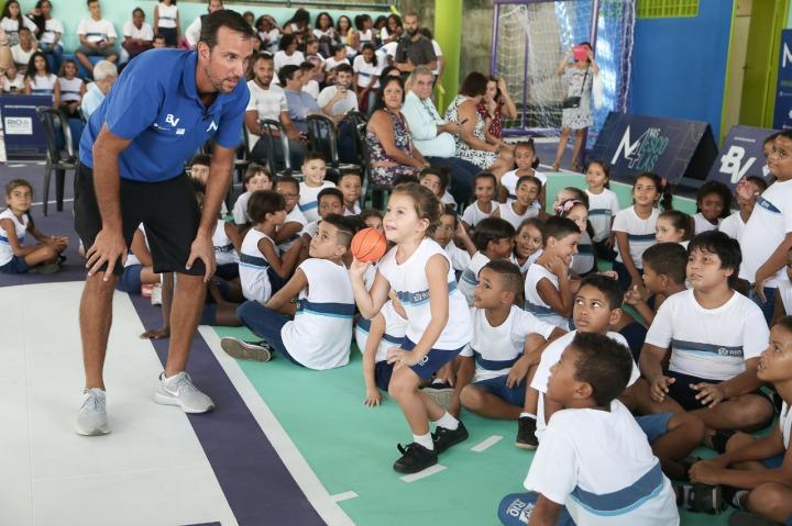 Marcelinho Machado e sua dedicação no dia a dia do M4 nas escolas